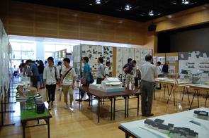 研究室公開:学生の設計作品や研究成果を展示