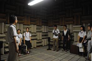 無響室体験(建築音響研究室)